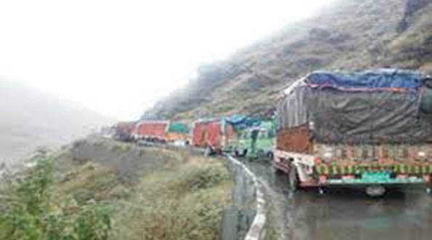 Srinagar-Jammu highway cleared of snow, debris; stranded vehicles allowed to ply as of now