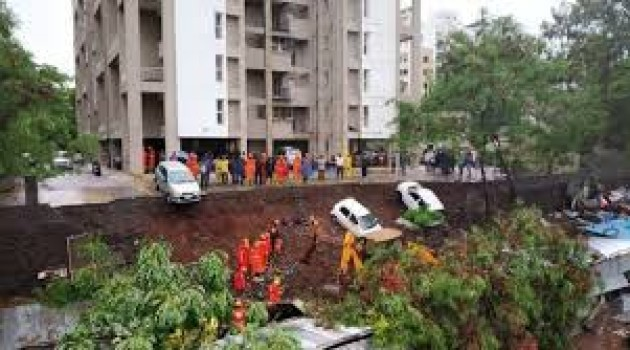 At least 15 dead as wall collapses in Pune