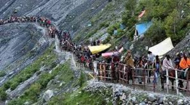 Second batch of 4417 pilgrims leave for Amarnath cave shrine from Jammu
