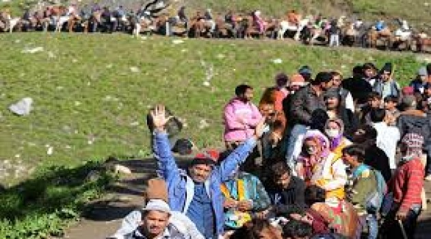 Fresh batch of 4584 pilgrims leave for Amarnath Cave Shrine from Jammu