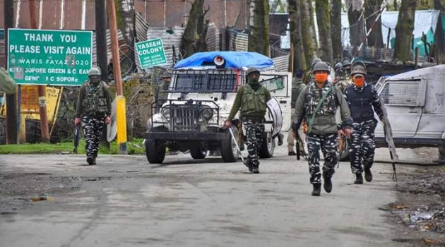 Every eye in Kashmir moist as 3-year-old boy wails grandfather's death at Sopore shootout site