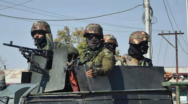 Budgam: One militant arrested, deserted SPO escapes from gunfight site