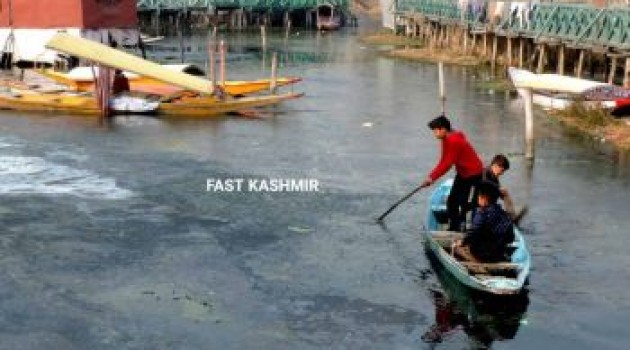 Coldest night recorded once again in 26 years, Srinagar freezes at minus 7.8°C*