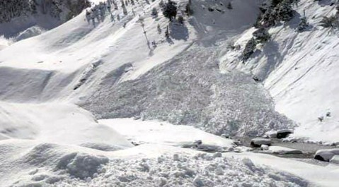 Snow avalanche occurred at Sonamarg on Srinagar-Leh national highway which was closed again on Monday after declaring open on Sunday after 58 days