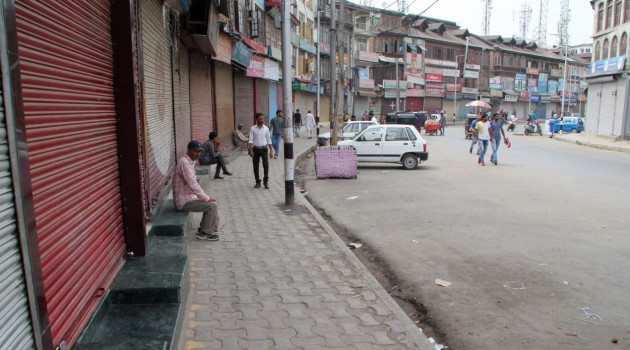 Rumours over Article 35A hearing spark  shutdown, clashes at several places in Kashmir