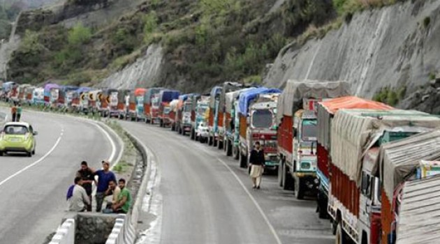 One-way traffic resumes on Srinagar-Jammu highway