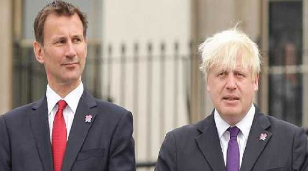 Conservative leadership: Johnson and Hunt await result of vote
