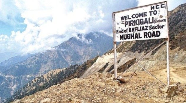 No traffic on Mughal road, only one-way traffic on Kashmir highway