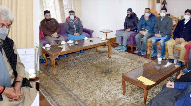 Former Minister, DDC members, Jamiat Ulema Welfare Foundation delegation call on Lt Governor