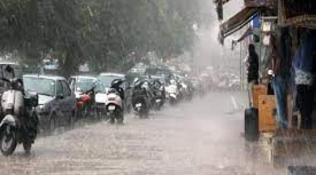Mercury Falls As Rain Lashes Kashmir, Parts Of Jammu