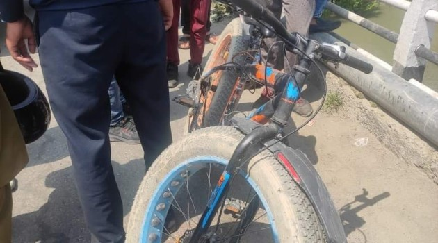 Unknown Person Jumps into the river after Alighting from the Cycle