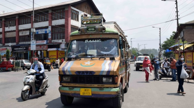 After 32 Days of Corona Lock down Tata Sumos, Auto Rickshaws and other passenger vehicles normally plying on Roads with Half Seats Occupied.