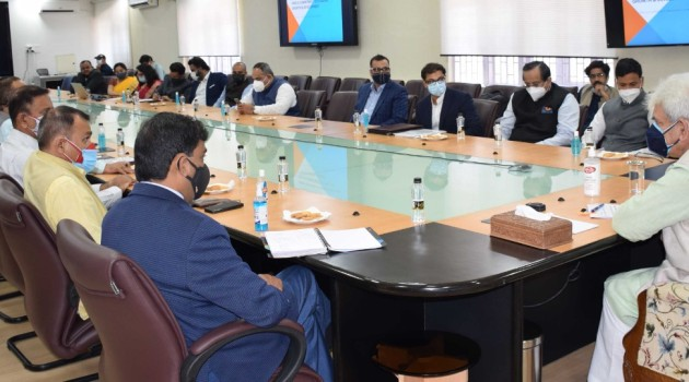 J&K Government signs historic MoUs with PARC-Policy Advocacy Research Centre; action-driven policies, strategic investments by potential investors to bring ground-breaking transformation in Agriculture & Industrial sectors in J&K.