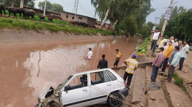 Baby Among 4 Persons Killed, 4 Others Rescued After Car Falls In Canal In Jammu
