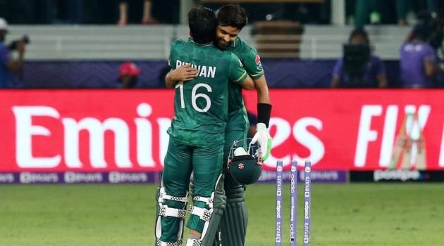 T20 World Cup: Pakistan breaks jinx, beat India by 10 wickets