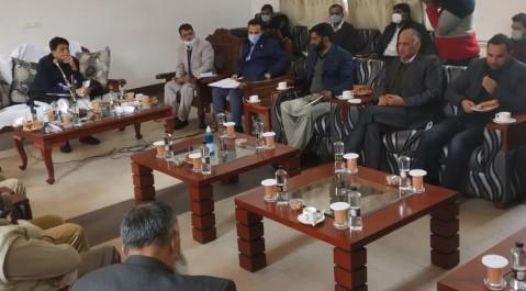 Piyush Goyal visits Pahalgam, meets delegation of PRIs and Industrialists