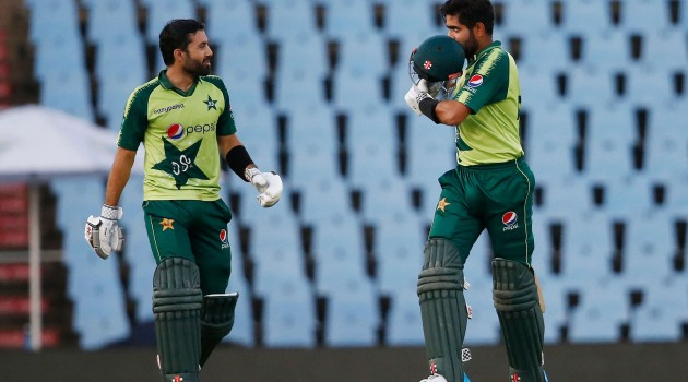 Slicing Babar Azam and Md Rizwan's record-breaking stand